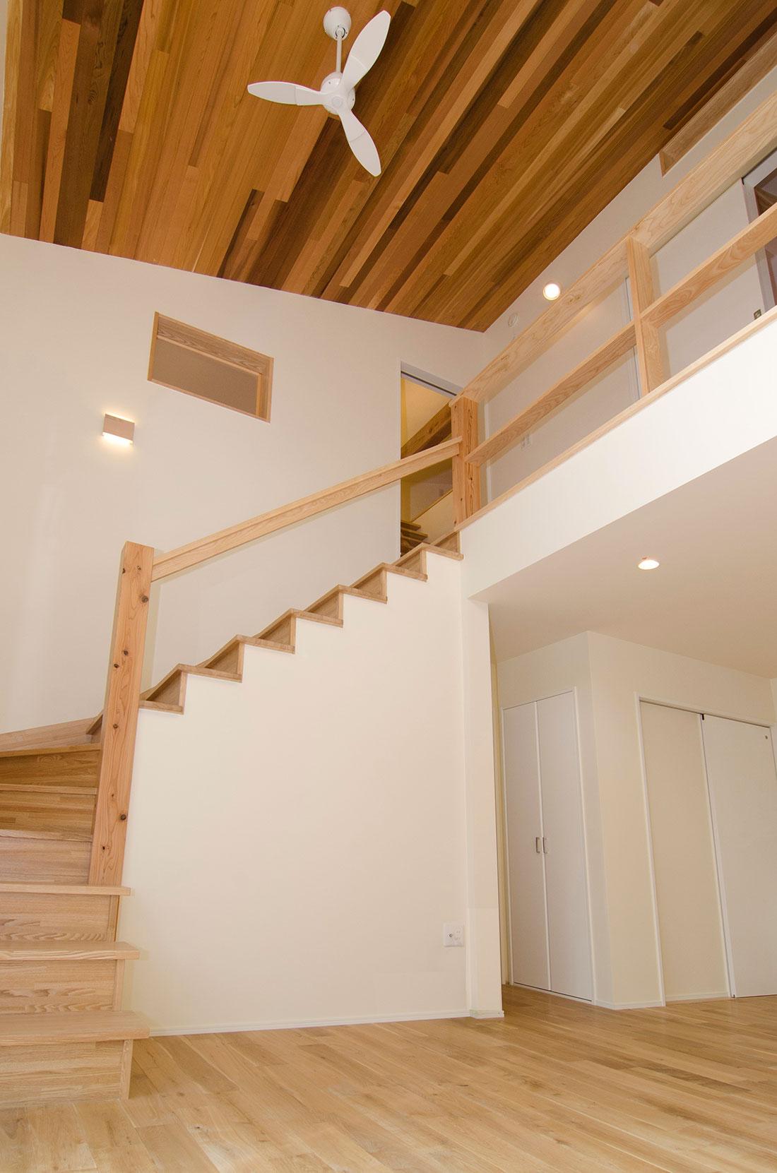 西町の家 階段