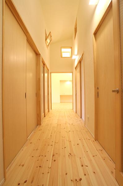 郡山の家 廊下